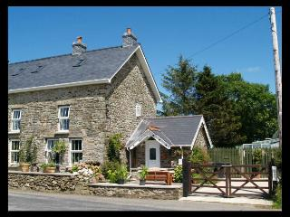 Picture Of Isfryn Holiday Cottage