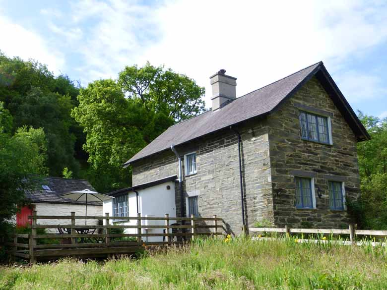 Picture Of Dolmur Goch Holiday Cottage